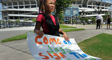 Tim Tebow fans rally in Jacksonville, but Moscow wants him