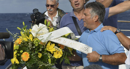 Italian fishermen honor migrants lost at sea