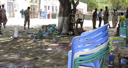 More than a dozen killed in Somali suicide bombing