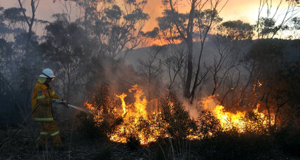 High temperatures and winds worsen Australian wildfires