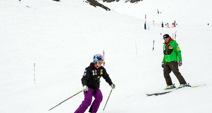Why Lindsey Vonn delays return to slopes