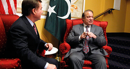 Pakistan PM brings an economic message to the White House (+video)
