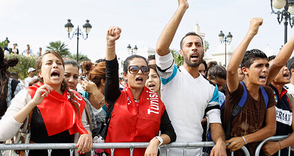Tunisians turn on their politicians as trash piles up