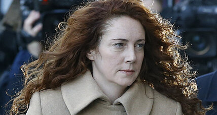 Phone hacking trial opens in UK – and it's the 'News of the World' (+video)