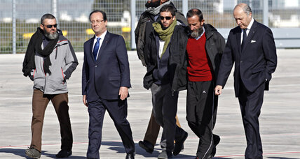 Will French hostages' freedom boost unpopular Hollande?