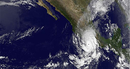 Hurricane Raymond: Strong hurricane meanders off Mexico's south coast