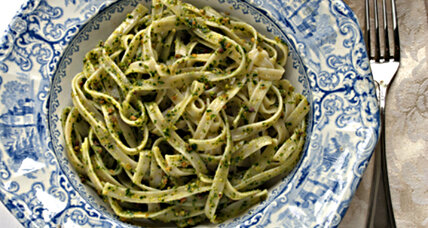 Meatless Monday: Kale lemon pesto with fettuccine