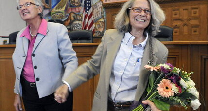 Gay marriage in New Mexico? Top state court seeks clarity for county clerks. (+video)