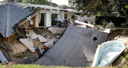 Florida sinkhole forces evacuation