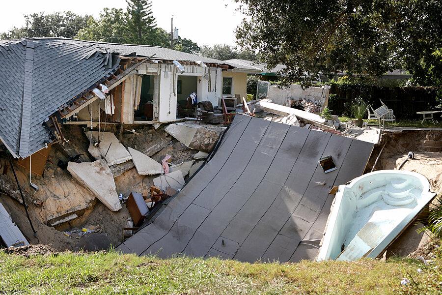 Florida Sinkhole Forces Evacuation Csmonitor Com