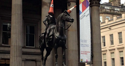 Glasgow citizens stop city from taking traffic cone off statue's head