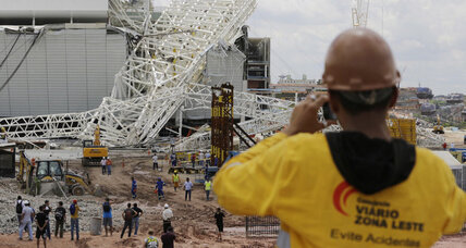 Brazil stadium collapse kills 3 (+video)