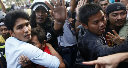 Thai anti-government protests turn violent