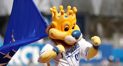 Hot dog injury lawsuit: Can a mascot be sued?