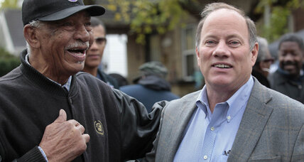 Detroit mayor's race: Racial politics out, focus on fixing the city in (+video)