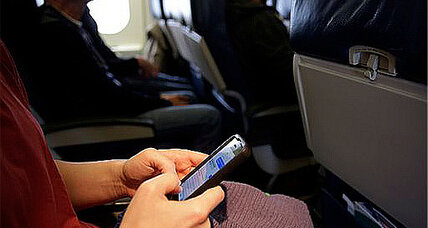 Cellphones on planes? FCC considers cell service at 30,000 feet.