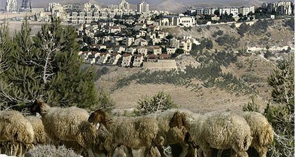 Israel halts plans for new settlements that could have derailed peace talks