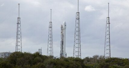 SpaceX puts off highly-anticipated launch, citing technical glitch