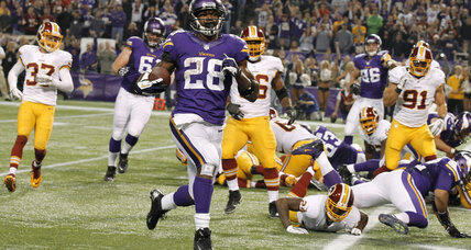 Minnesota Vikings stop Redskins and RGIII late to win, 34-27