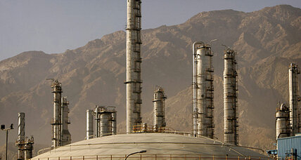 After nuclear deal, Iran angles for return to oil market