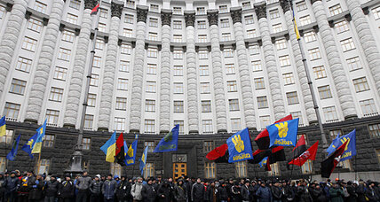 Amid Ukraine protests, energy sector tilts toward Russia