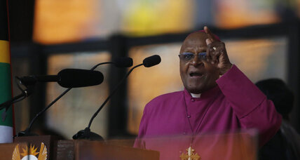 Desmond Tutu says he wasn't invited to Mandela's funeral