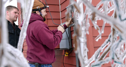 Ice storm: from Maine to Midwest, more than 100,000 still without power