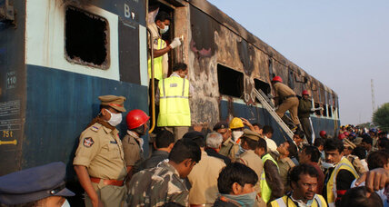 26 killed in fire on Bangalore-Nanded train in southern India