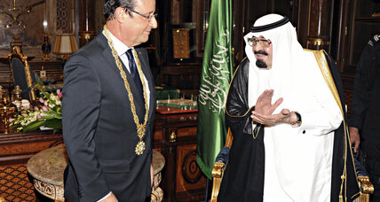 In visit to Saudi Arabia, Hollande highlights defense and energy