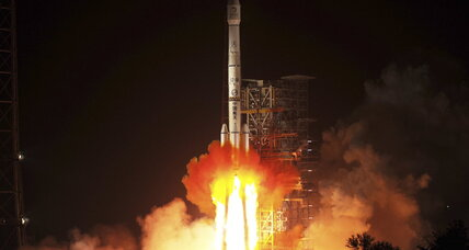 In one big step for China, 'Jade Rabbit' heads to the moon (+video)