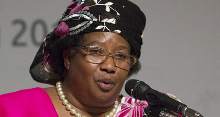 Malawi's embattled Banda says huge scandal is 'opportunity'
