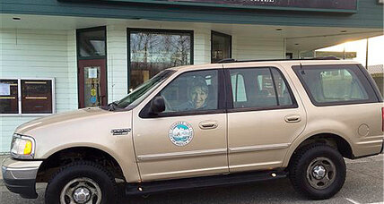 Palin SUV: Town sells Palin's mayoral SUV for $8K above its value