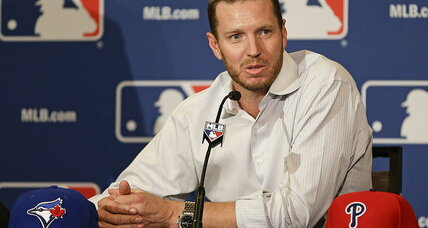 Roy Halladay retires after signing a one-day deal with Toronto Blue Jays