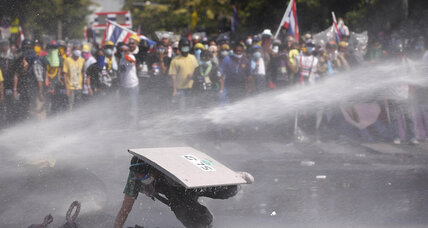 Police play pivotal role in Thai clashes