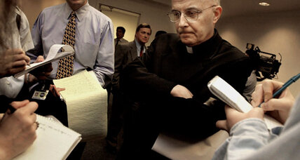 Documents offer rare inside look at Chicago priest sex abuse (+video)