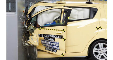Subcompacts face difficulty with crash test