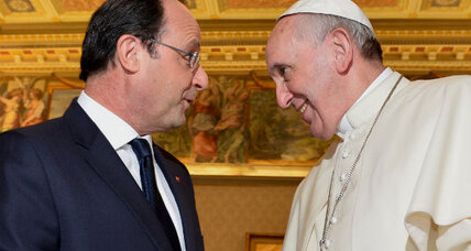 Leaving scandal at home, France's Hollande pays visit to Pope Francis