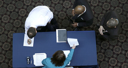 Jobless claims rise to 348,000