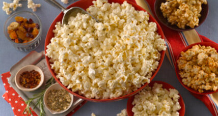 Super Bowl snacks: Mix up a popcorn bar