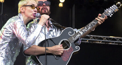 Eurythmics to reunite for Beatles salute (+video)