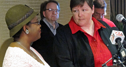 Same-sex marriage: Four Wisconsin couples challenge state ban (+video)