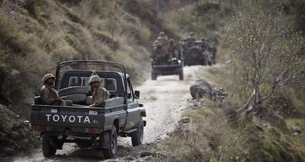 Eying Taliban, Pakistan military moves into strategic Swat Valley
