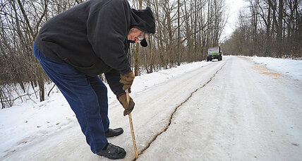 Frost quakes cause strange sounds, light flashes in frigid Midwest