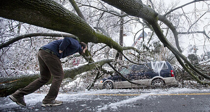 Snow, ice leaves 400,000 still without power. Can the grid handle winter? (+video)