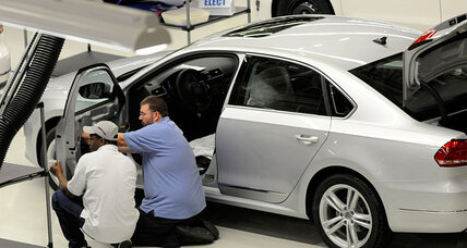 Would union cost Tennessee VW plant a new line? Senator and automaker at odds. (+video)