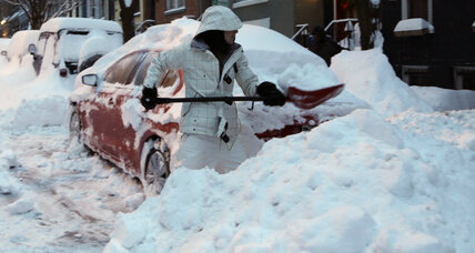 Snow wallops Valentine's Day: How much is weather harming US economy? (+video)