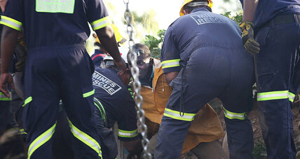 11 pulled from abandoned mine in South Africa