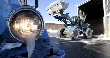 Big winter: Snow-clearing crews live hand to mouth, as road salt runs low (+video)