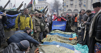 Ukraine truce shattered by deadly fighting in Kiev