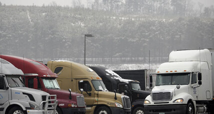 Obama looks to set next heavy-duty truck fuel-efficiency rule
